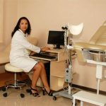 На прием к гинекологу: чем акушер отличается от репродуктолога?