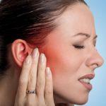 Распухшие мочки уха: фотографии, причины и лечение