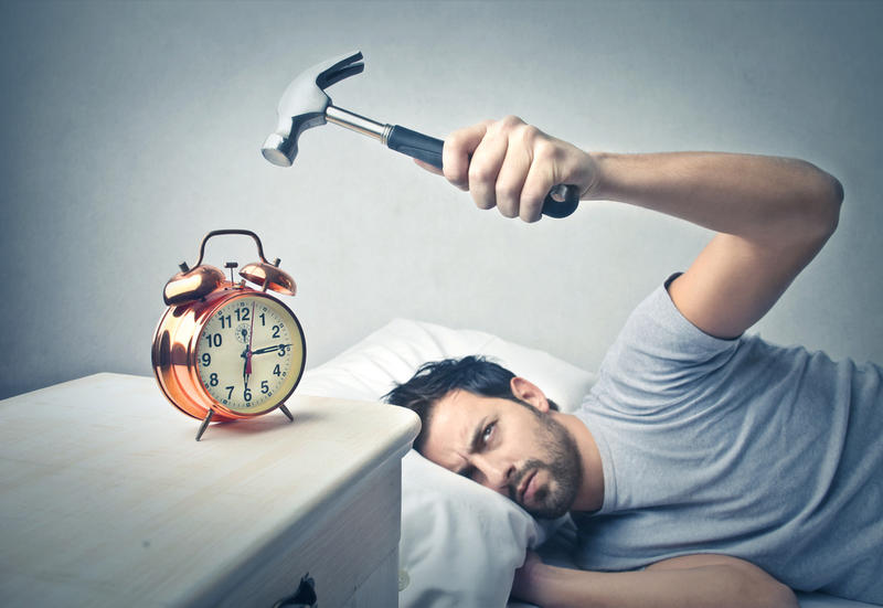 Бессонница: почему ваш мозг может спать, даже не зная об этом