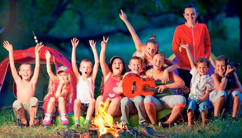 Готовим ребенка к летнему лагерю:  что нужно знать