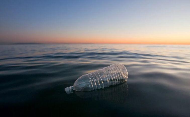 ВОЗ публикует доклад о микропластиках в питьевой воде