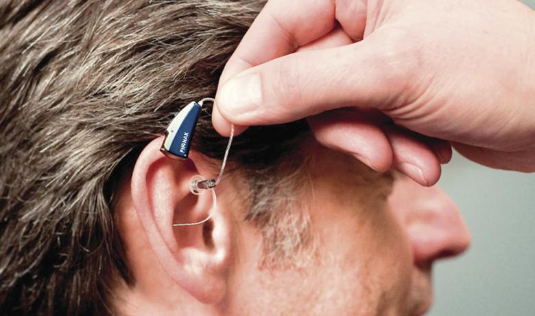 Слуховые аппараты снижают вероятность деменции, депрессии и падений