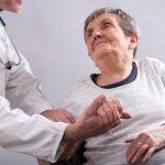 Болезнь Альцгеймера: головное устройство уменьшает потерю памяти у 7 из 8 человек