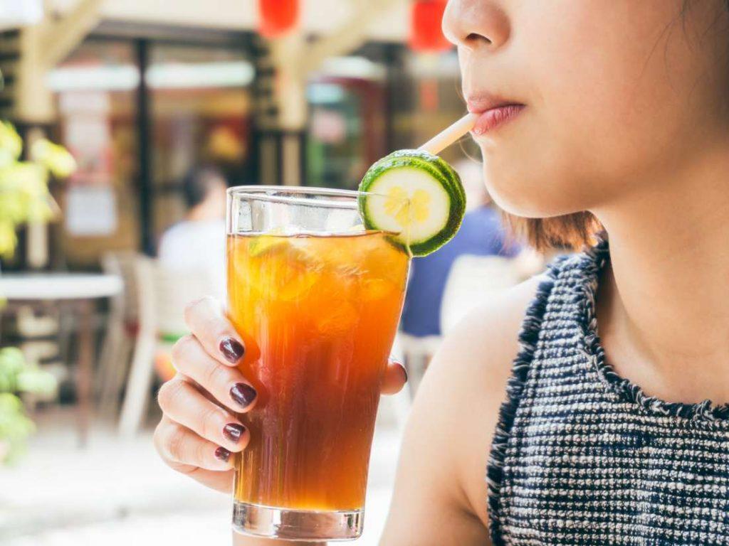 Напитки, а не еда, с добавлением сахара способствуют увеличению веса
