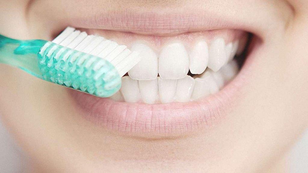 Чистка зубов может сохранить ваше сердце здоровым