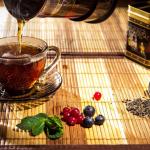 Пожилые люди, которые пьют чай, менее подвержены депрессии