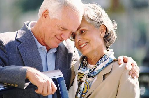 Наличие оптимистичного партнера может предотвратить когнитивный спад