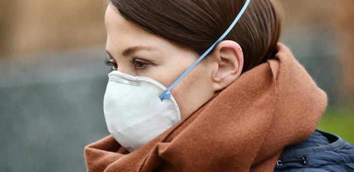 Наилучшие имеющиеся данные подтверждают физическое дистанцирование и ношение масок для лица