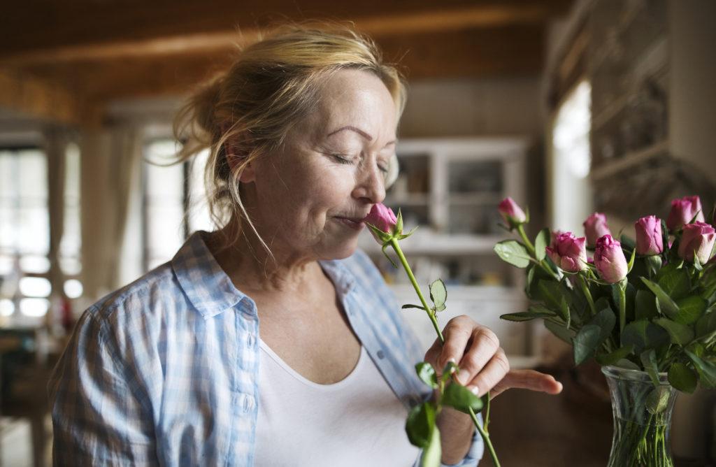 Запах изменяет обработку памяти и может лечить травму