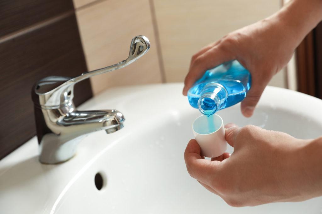 Жидкость для полоскания рта может уменьшить распространение нового коронавируса