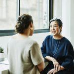 Исследование показывает, что одиночество может уменьшаться с возрастом