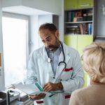 COVID-19: Сколько пациентов возвращается в больницу после выписки?