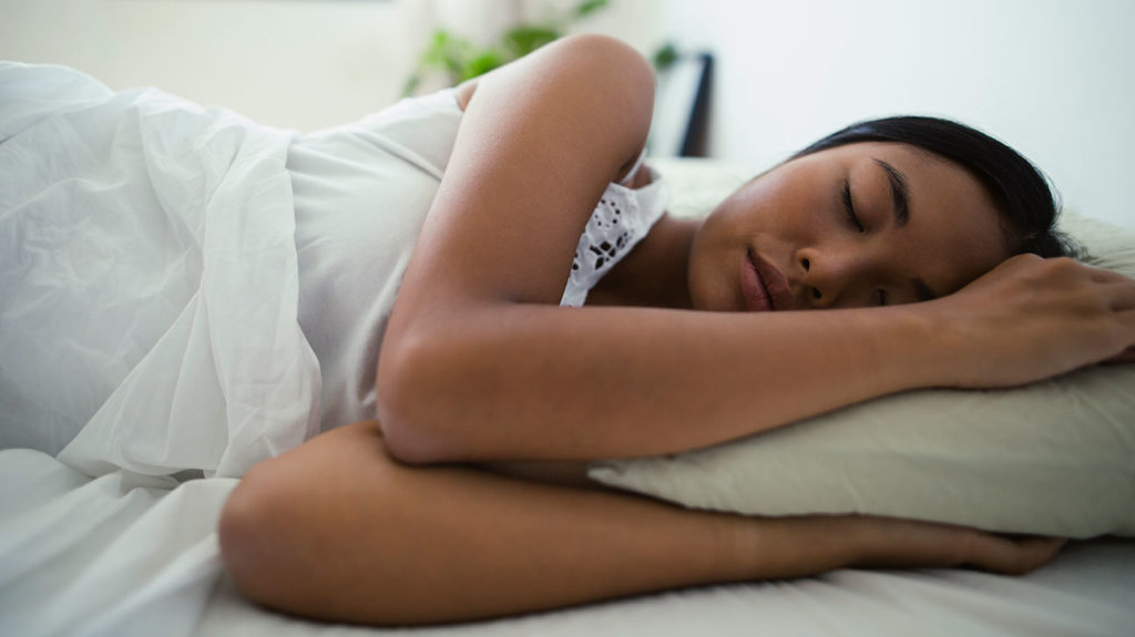 Лучшая сторона для сна для пищеварения и других преимуществ