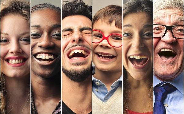 Смех действует как буфер стресса - и даже улыбка помогает
